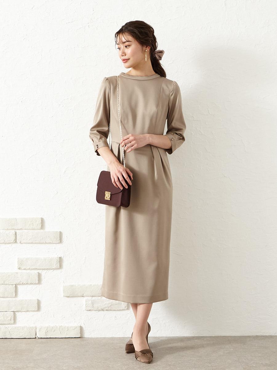 スタンドカラーサテンタイトドレス